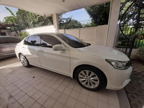 Pearl White Honda Accord 2013 for sale in Automatic