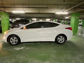 White Hyundai Elantra 2012 Manual for sale