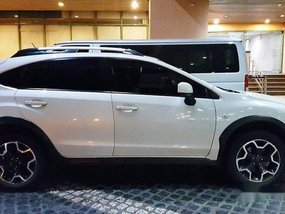 Selling White Subaru Xv 2013 in Mandaluyong