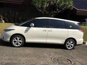 White Toyota Previa 2007 at 95289 km for sale