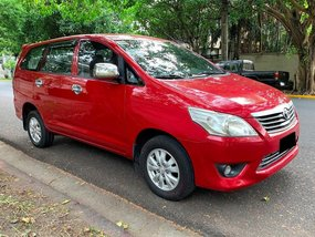 Red Toyota Innova 2012 for sale in Makati