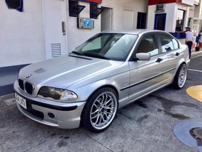 Silver Bmw 318I 2000 for sale in Automatic
