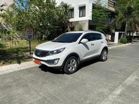 Sell White 2013 Kia Sportage in Taguig
