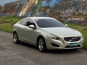 Sell Pearlwhite 2012 Volvo S60 in Makati