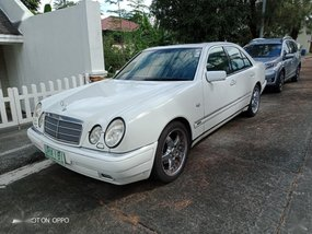 Selling White Mercedes-Benz 230 1996 in Quezon City