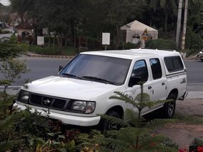 Sell White 2000 Nissan Frontier in Tanauan