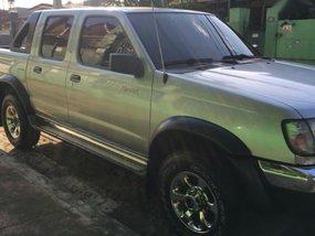 Sell Silver 2001 Nissan Frontier in Marikina