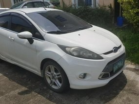 White Ford Fiesta 2013 for sale in Automatic