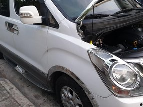 White Hyundai Starex 2013 for sale in Pasig