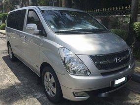 Selling Silver Hyundai Grand Starex 2009 in Pasig