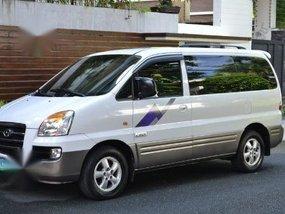 Selling White Hyundai Starex 2007 in Muntinlupa