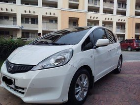 White Honda Jazz 2013 at 43000 km for sale