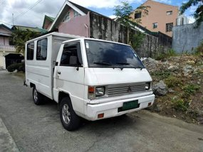 Mitsubishi L300 Van 2009