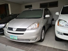 Silver Toyota Sienna 2004 for sale in Quezon City