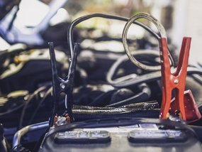Car essentials: Jumper cables need to be in your car trunk