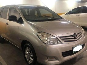 Silver Toyota Innova 2012 for sale in Manual