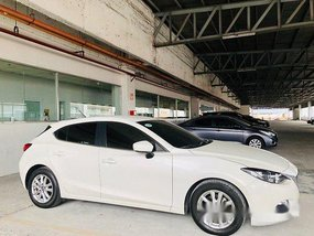 White Mazda 3 2015 for sale in Automatic
