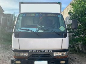White Mitsubishi Fuso 2005 for sale in San Fernando City