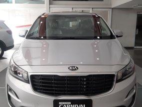 Selling White Kia Carnival 2020 SUV / MPV in Paranaque City