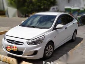 White Hyundai Accent 2004 for sale in Manual