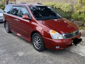 Red Kia Carnival 2012 for sale in Automatic