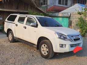 Well Maintained Isuzu DMax 2016 LS A/T Top of the line