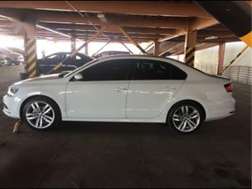 White Volkswagen Jetta 2016 for sale in Makati City
