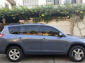 Selling Toyota Rav4 2011 at 35000 km