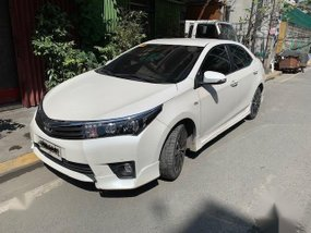 Pearl White Toyota Altis 2014 for sale in Manila