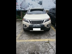 Selling White Kia Sorento 2010 SUV / MPV at  Automatic   at 64000 in Cebu City
