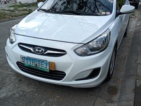 White Hyundai Accent 2017 for sale in Automatic
