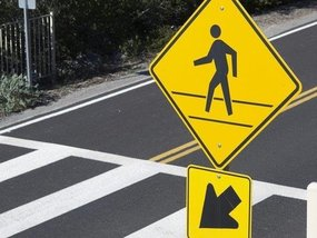 8 tips to improve pedestrian and road safety