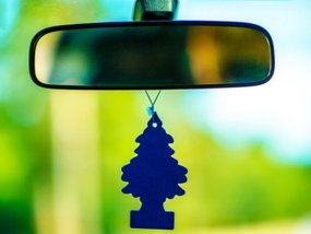 7 D.I.Y. car air fresheners and how to make one at home