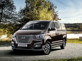 Hyundai Grand Starex (facelifted) 2.5 CRDi GLS AT (Swivel) with Minimum downpayment