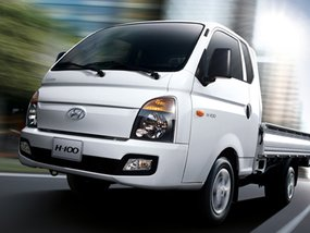 Hyundai H-100 2.5 CRDi GL Shuttle Body (with Front AC) with good downpayment