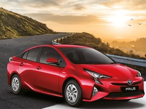 Toyota Prius 1.8 Hybrid with good downpayment