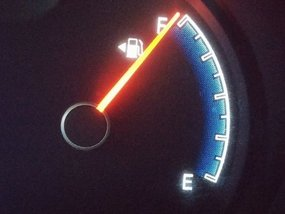 Is it safe to fill my fuel tank to the brim? [Newbie Guide]