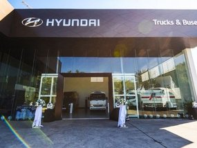 Hyundai Alabang, Commonwealth hailed as top CV dealers for 2019-20
