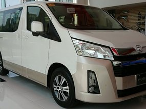 Toyota Hiace Commuter Deluxe 2.8 MT with good amortization