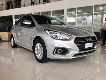Hyundai Accent whole look