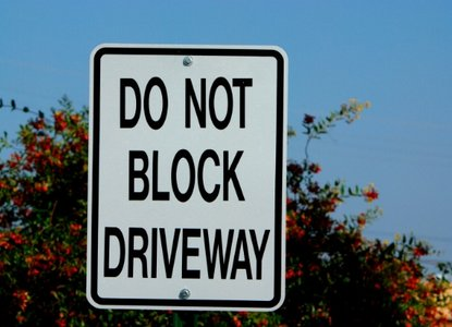 Is it really illegal to block a driveway in the Philippines?