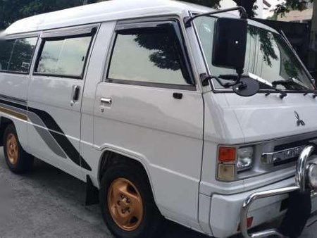 275dbb27d9 Mitsubishi L300 versa van 2004 model 126118