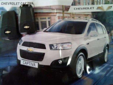 Chevrolet Captiva 2015 White For Sale 169577