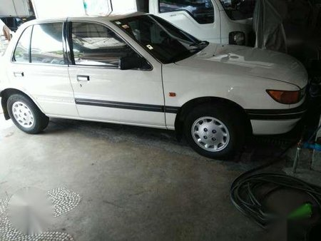 Mitsubishi lancer glx 1991 mt white 174184 mitsubishi lancer glx 1991 mt white publicscrutiny Gallery