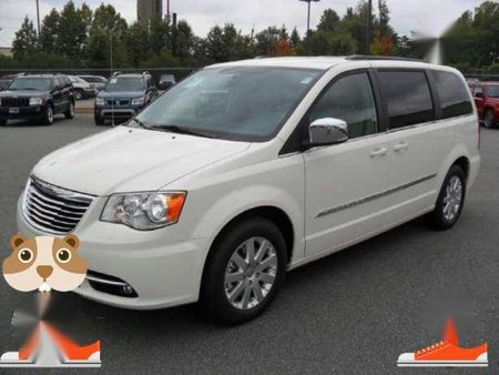 Chrysler Town And Country 2012 At White 211061