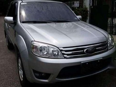 2009 Ford Escape XLS good for sale