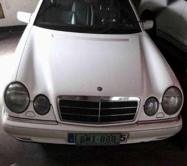 Selling this M-Benz Vintage Car