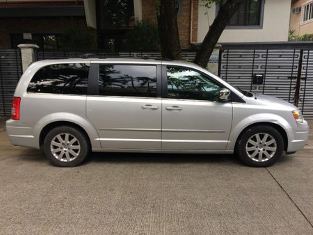 CHRYSLER T&COUNTRY 2010 for sale