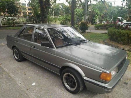 Nissan sanny 1990