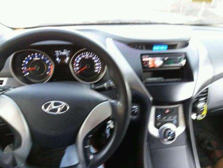 FOR SALE HYUNDAI Elantra 2012 top off the line
